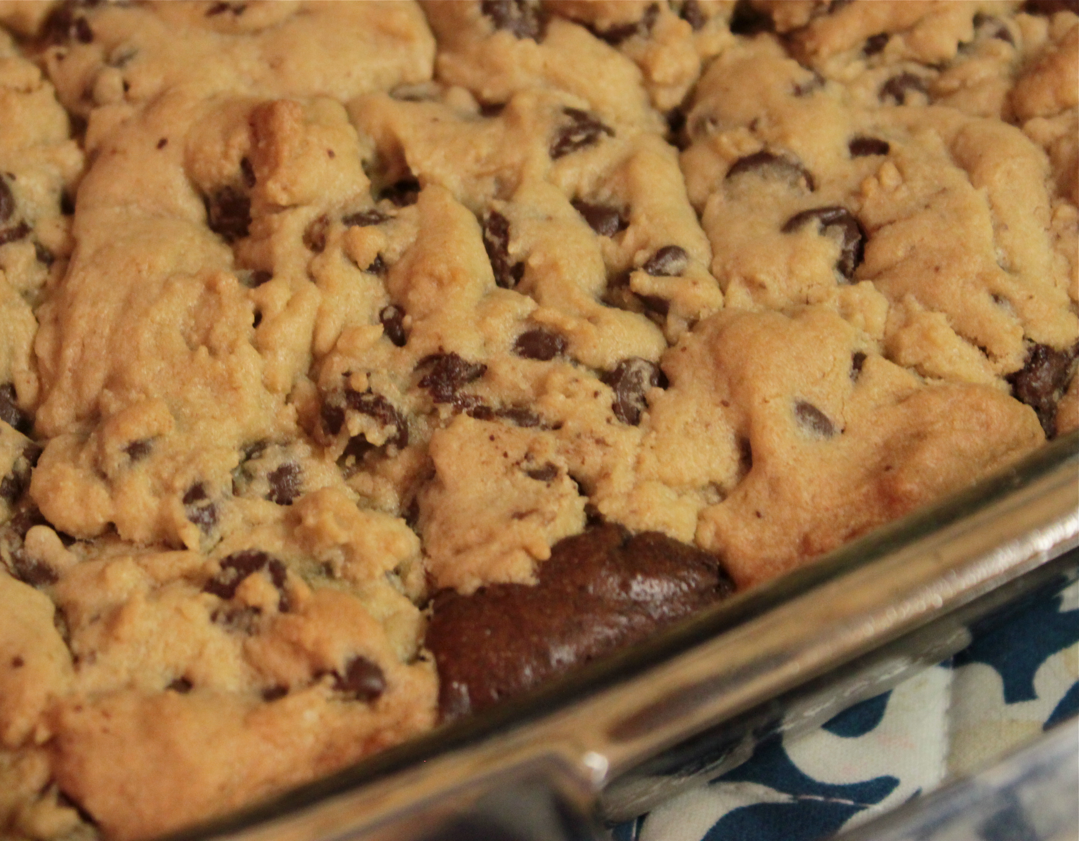 In The Kitchen: Chocolate Chip Cookie/Brownie Bars | Put Your Damn ...